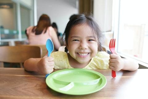 中学生以下のお子様の食事が無料